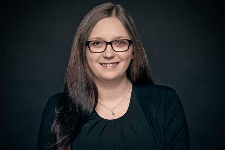 Sandra Dinslaken, Büromanagement
